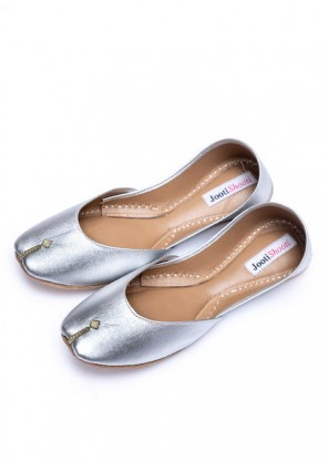 Plain Silver Khussa